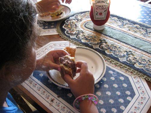 LaFrieda eating